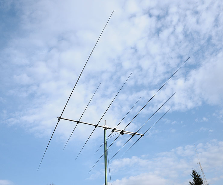 Tri-band-antenna-3B-223-14-21-28MHz-www.antennas-amplifiers.com