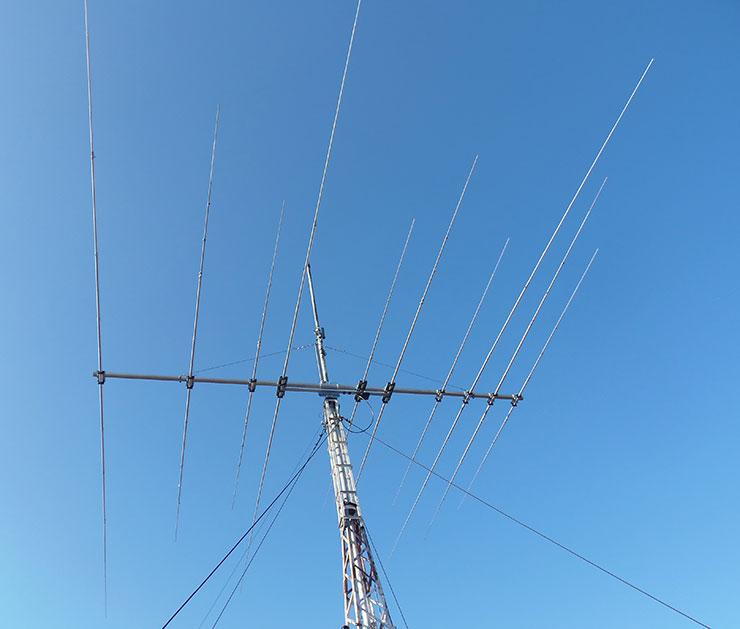 Stack-tri-band-antenna-3B-334HD