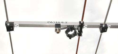 2m-Antenna-6-elements-PA144-6-2-dipole-balun-view